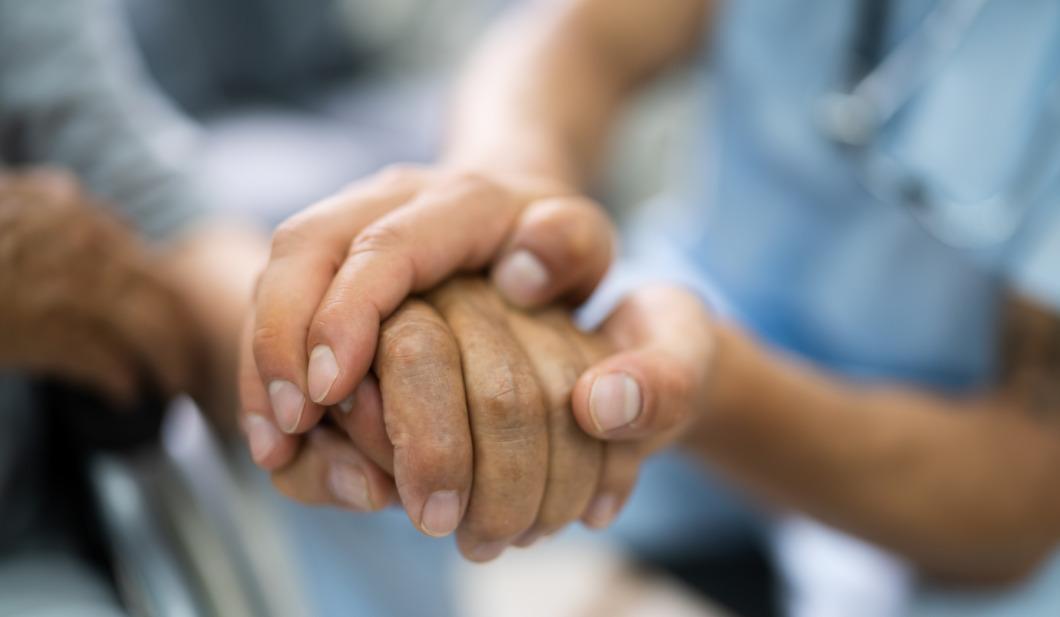 Miljard ska öka antalet sjuksköterskor i äldreomsorgen
