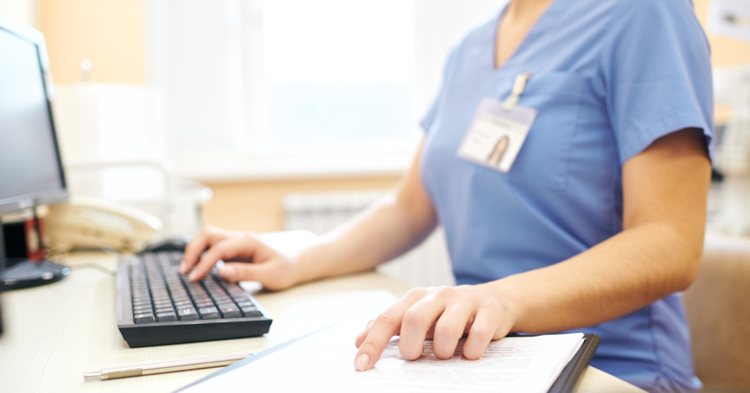 Sjuksköterska anmäld för felaktiga vaccinråd på 1177