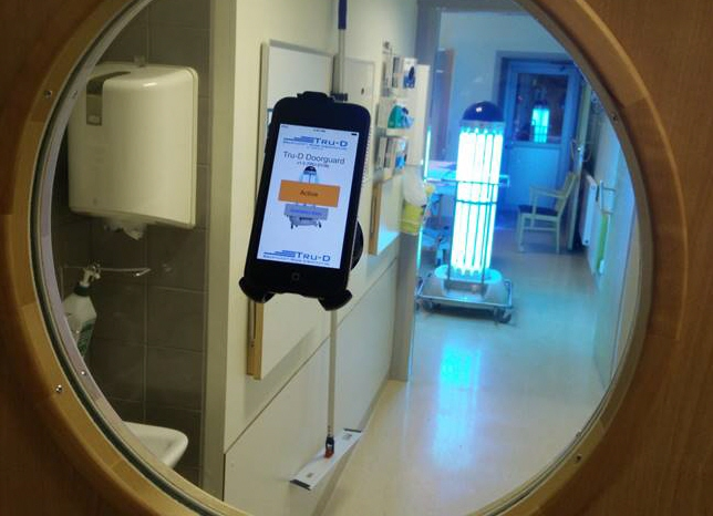 Robot som dödar virus och bakterier prövas på svenska sjukhus