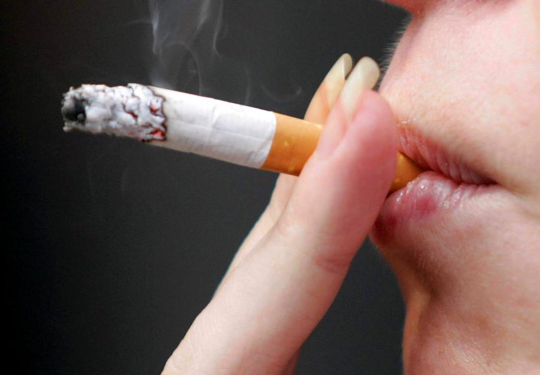 Allt fler unga röker