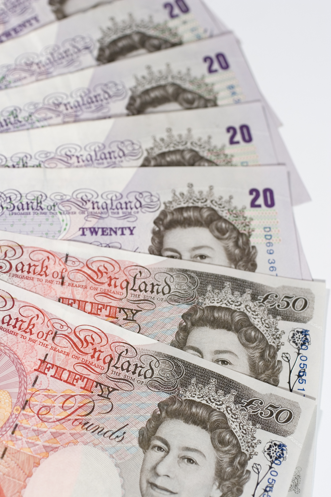 Brittisk barnmorska skänkte 5 miljoner till regeringen