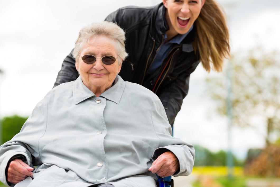 Äldre behöver få vara sig själva