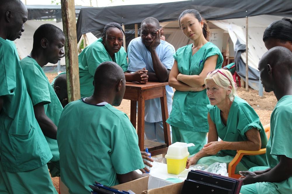 Minst 35 svenska sjuksköterskor direkt engagerade i kampen mot ebola