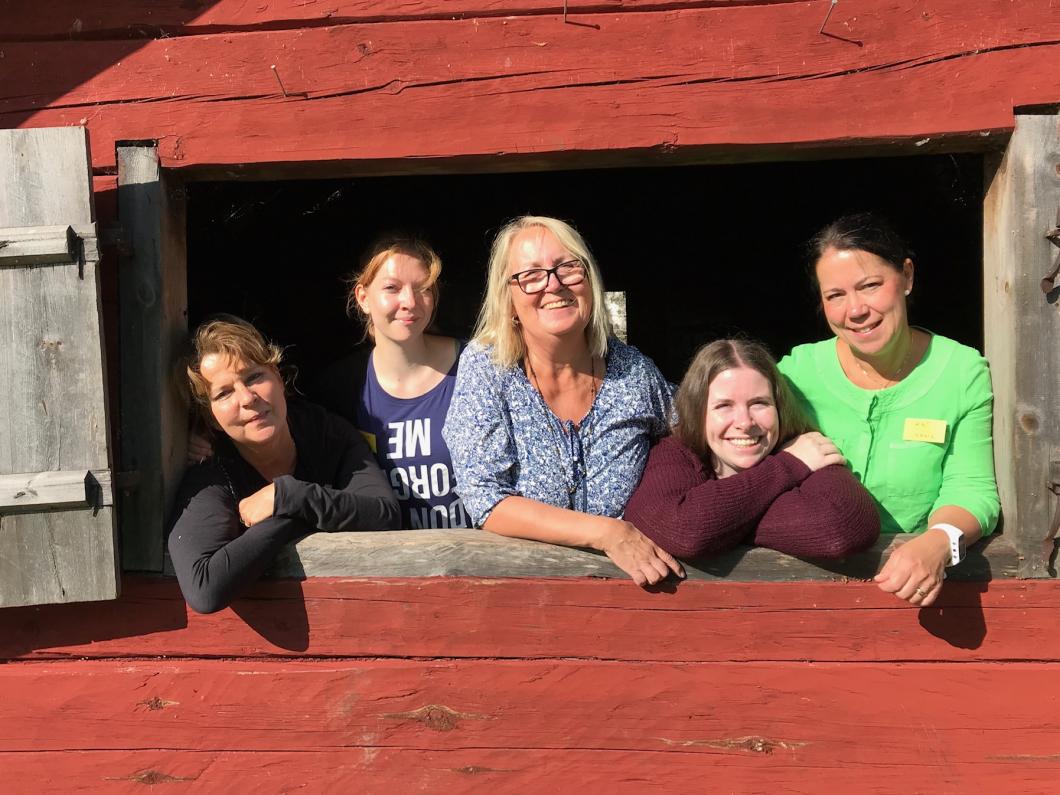 De fixar läger för unga som har föräldrar med demens