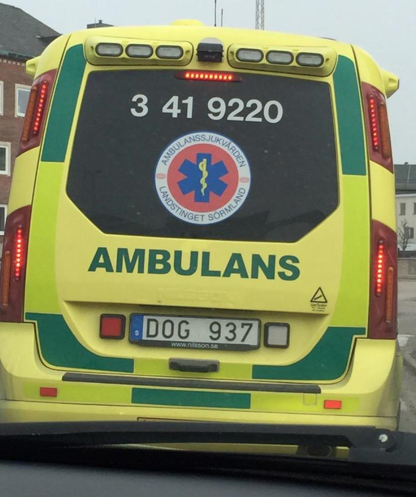 Ambulans väcker uppmärksamhet i sociala medier