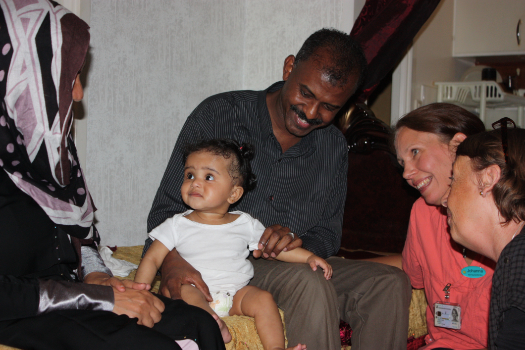 Fler hembesök ger barn och föräldrar en bättre start