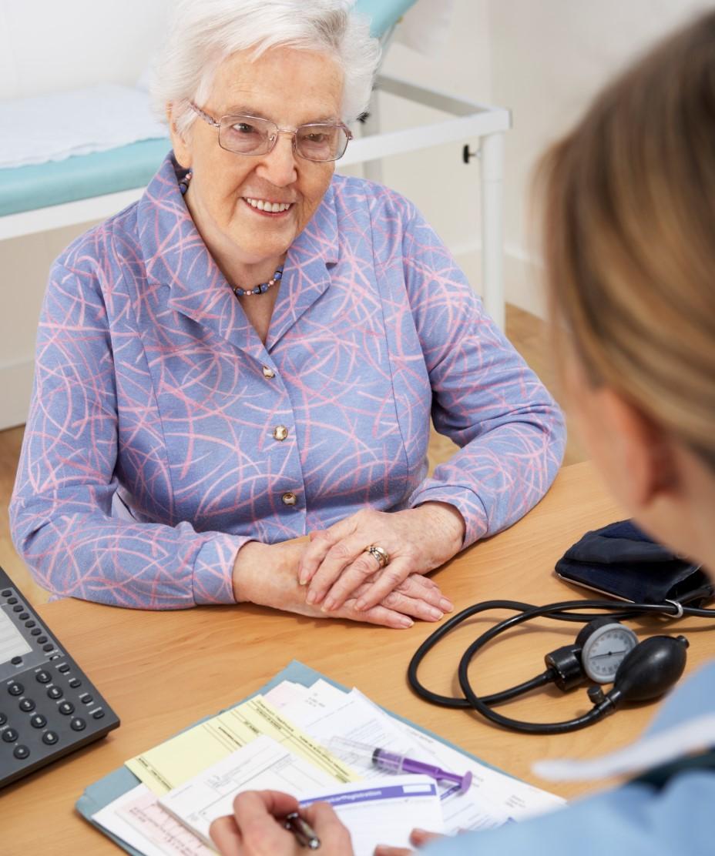 Över hälften av landstingen arbetar för personcentrerad vård