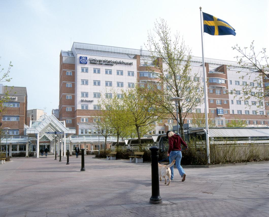 Örebro. Sjuksköterskor på akutvårdsavdelning överfölls av patient