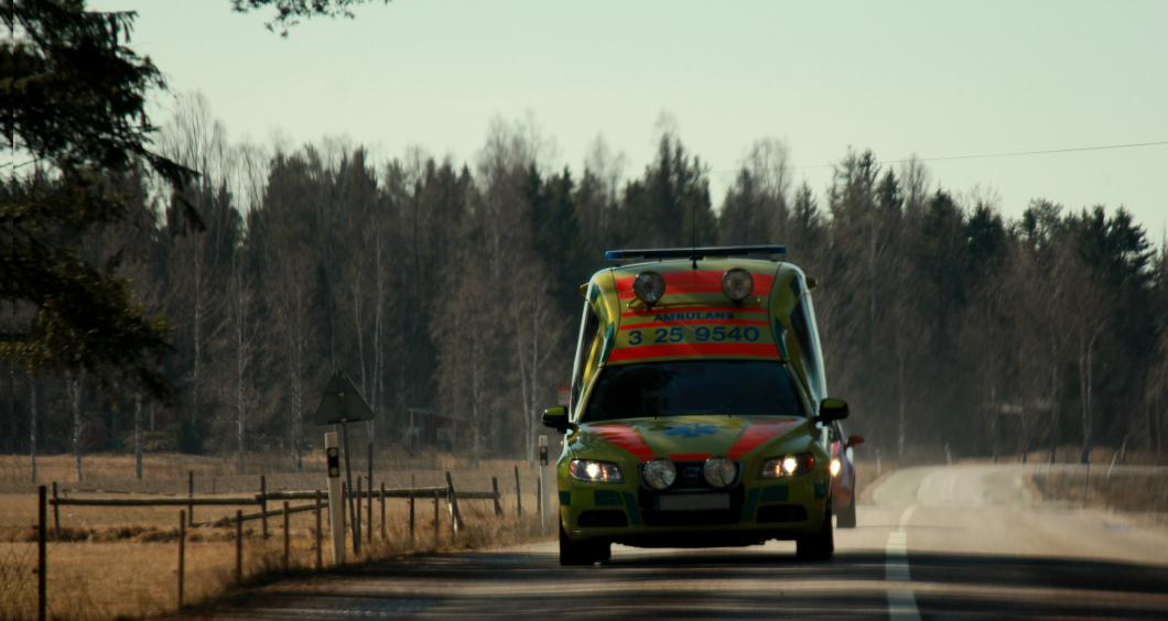 Falsk ambulanssjuksköterska polisanmäld