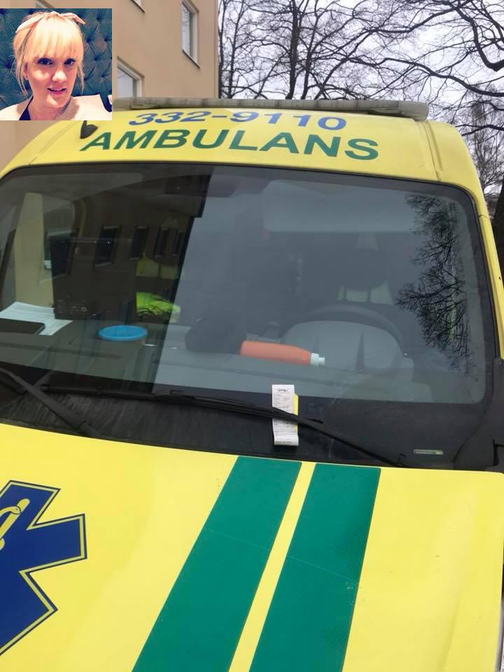 Upprörda reaktioner på att ambulans fick p-böter