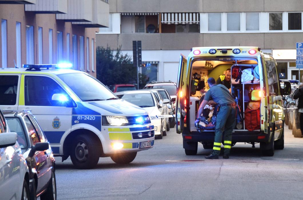 Allt färre läggs in på sjukhus för att de utsatts för våld