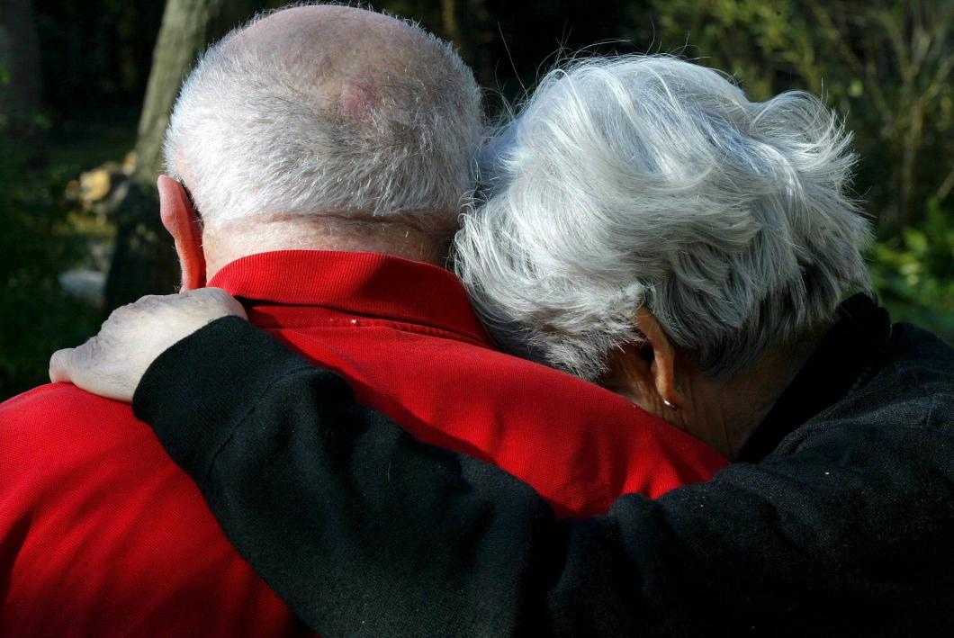 Vill hjälpa ensamma äldre att hitta tillbaka till livet