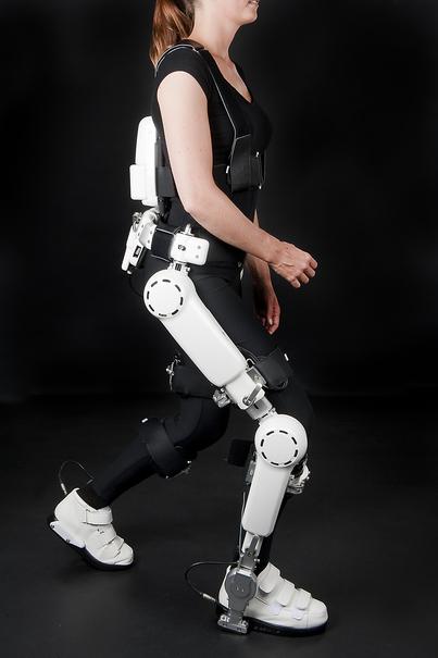 Danderyds sjukhus testar robotdräkt för gångrehabilitering efter stroke