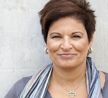 Sineva Ribeiro: Politikerna måste lägga sig i lönerna mer
