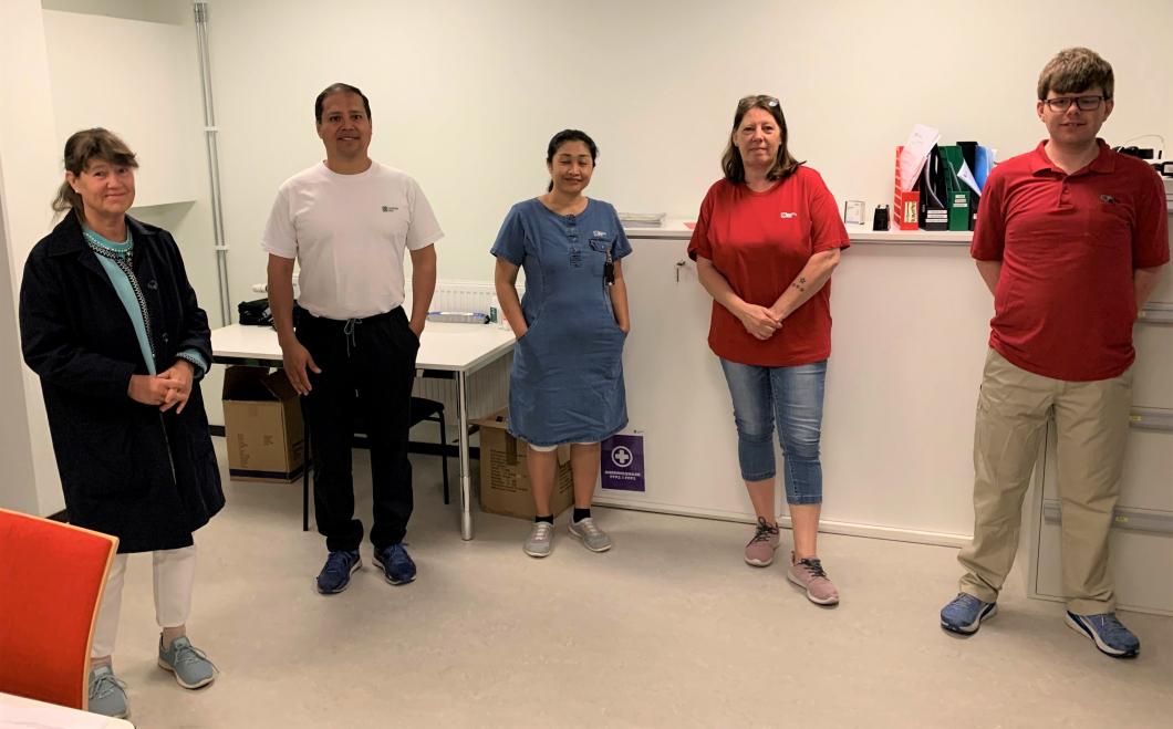 Sjuksköterskor stöttar hemtjänstens covidteam