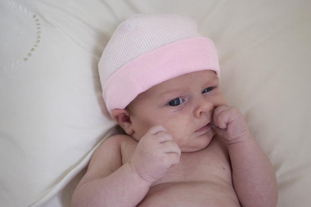 Ryggläge viktigast för att minska risken för plötslig spädbarnsdöd