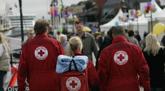 Röda korset tvingas tacka nej till sjuksköterskor