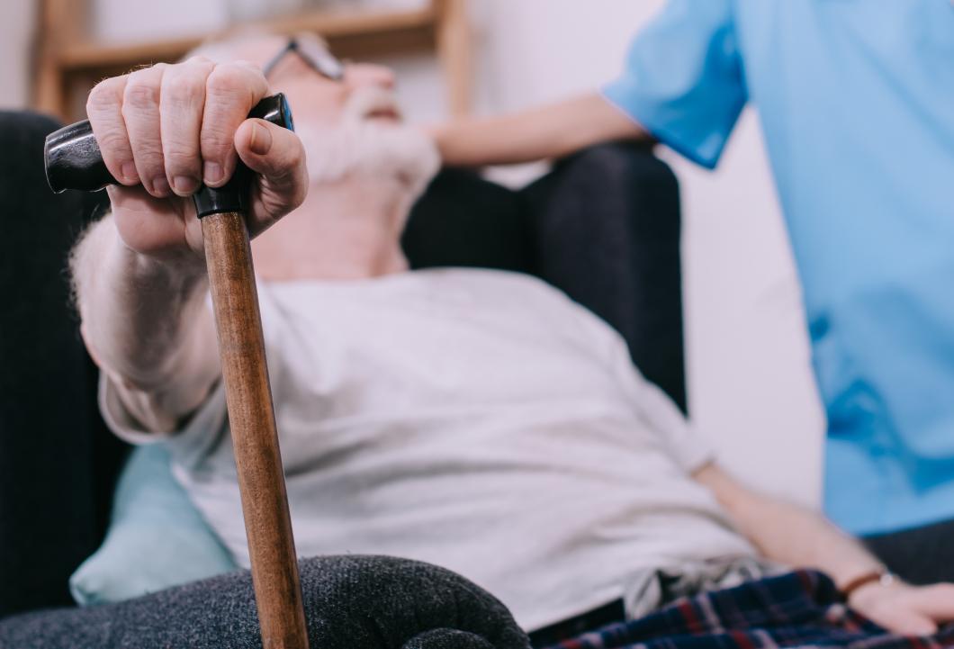 Nya filmer ger kunskap om palliativ omvårdnad