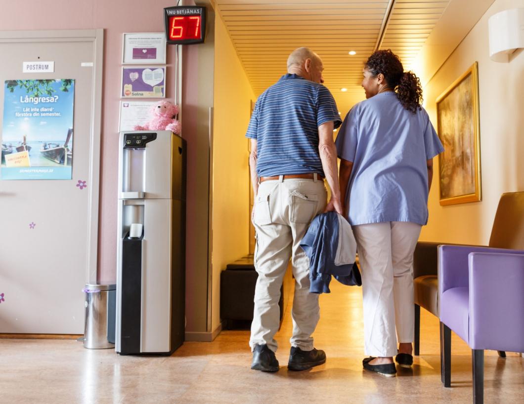 Hälsocentraler får svidande kritik för stor arbetsbörda