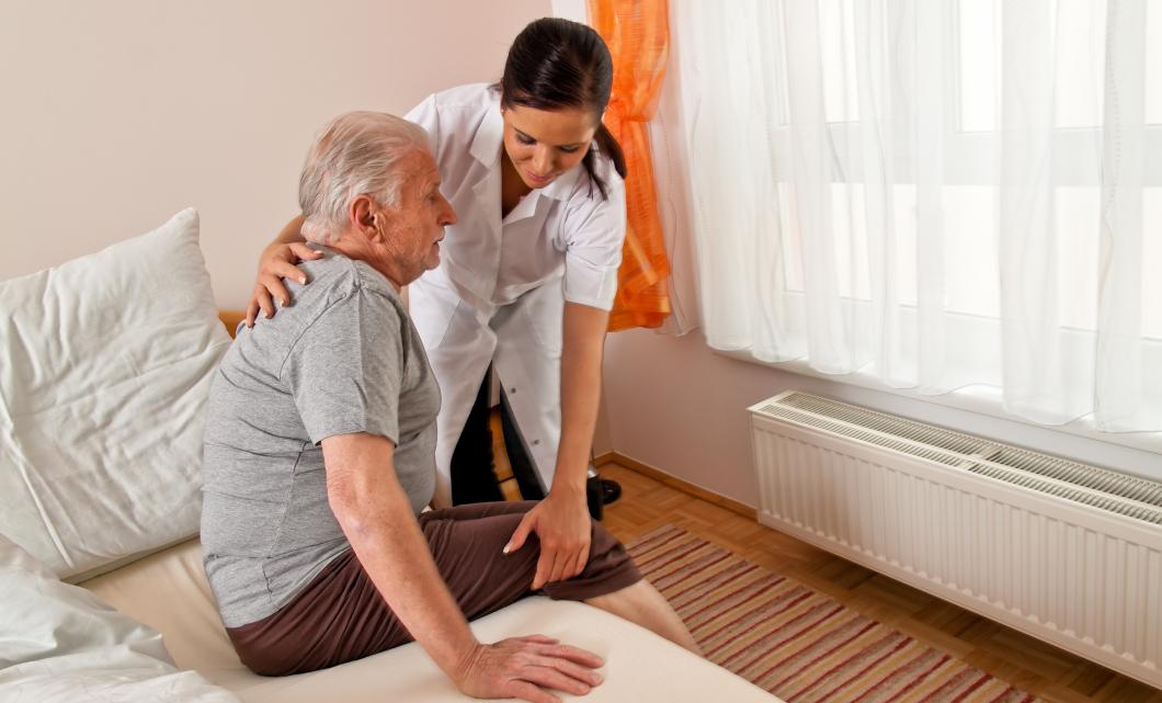 Storbritannien: Sjuksköterskor vill ha reglerad bemanning i äldrevården