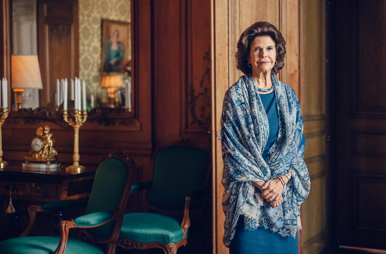 Drottning Silvia hyllar vårdens hjältar