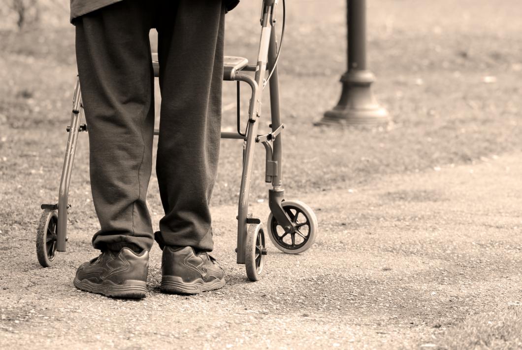 Inte tillåtet för vården att  gps-övervaka personer med demens