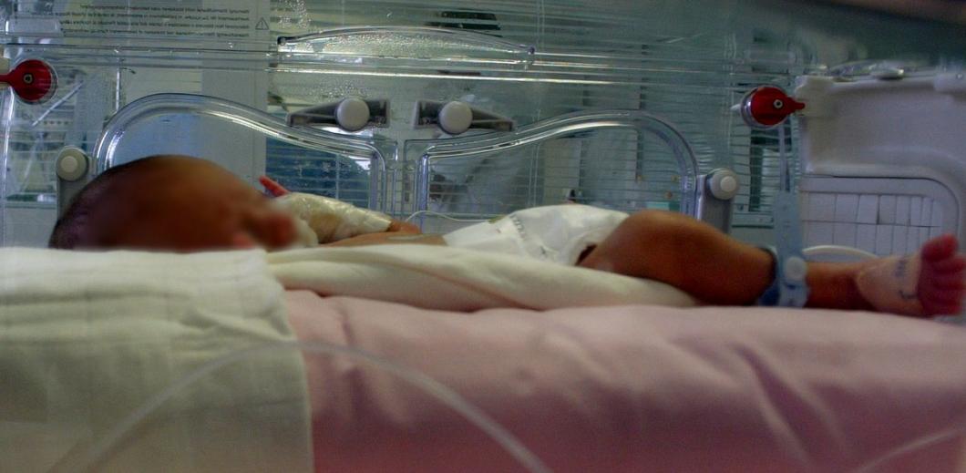 Värmemadrass brännskadade spädbarn