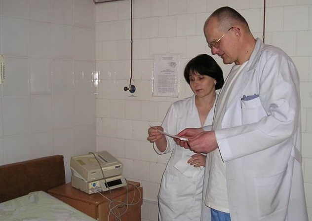 Med svensk CTG räddar barnmorskor liv  i Ukraina