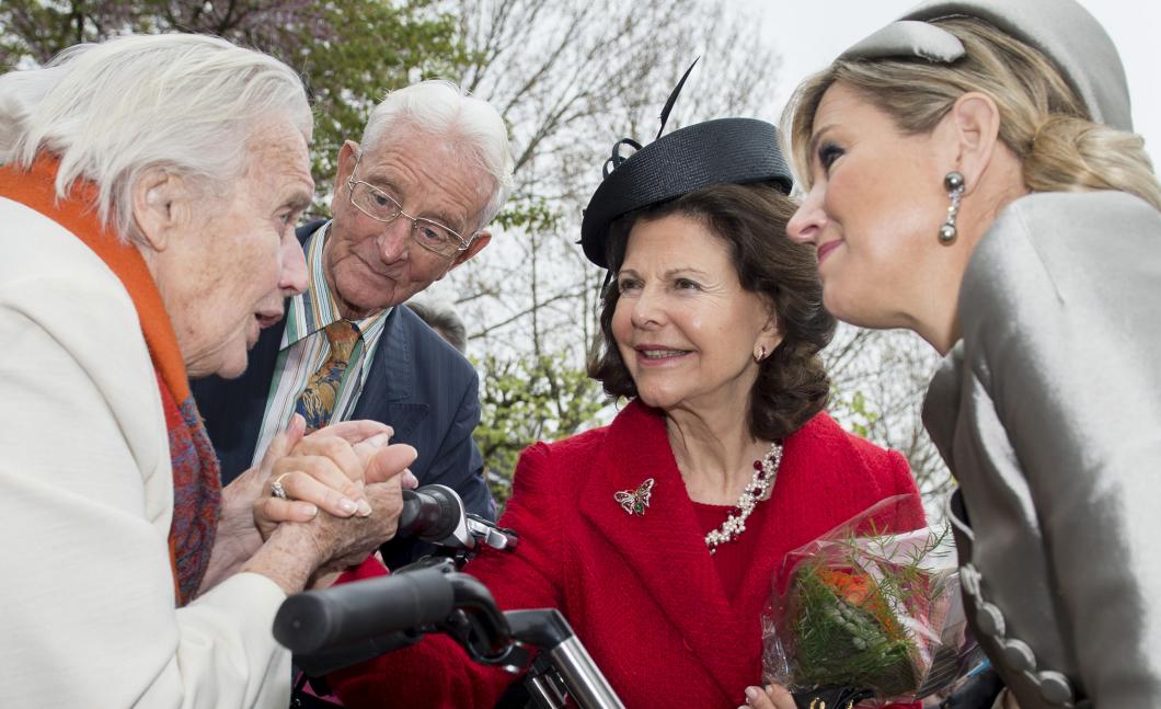 Drottning Silvia vill helst ha sjuksköterskor omkring sig