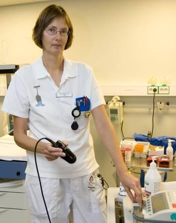 Sjuksköterskans uppgift att hålla koll på patientens urinblåsa