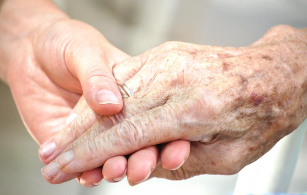 Kommuner vill garantera värdigt bemötande av äldre