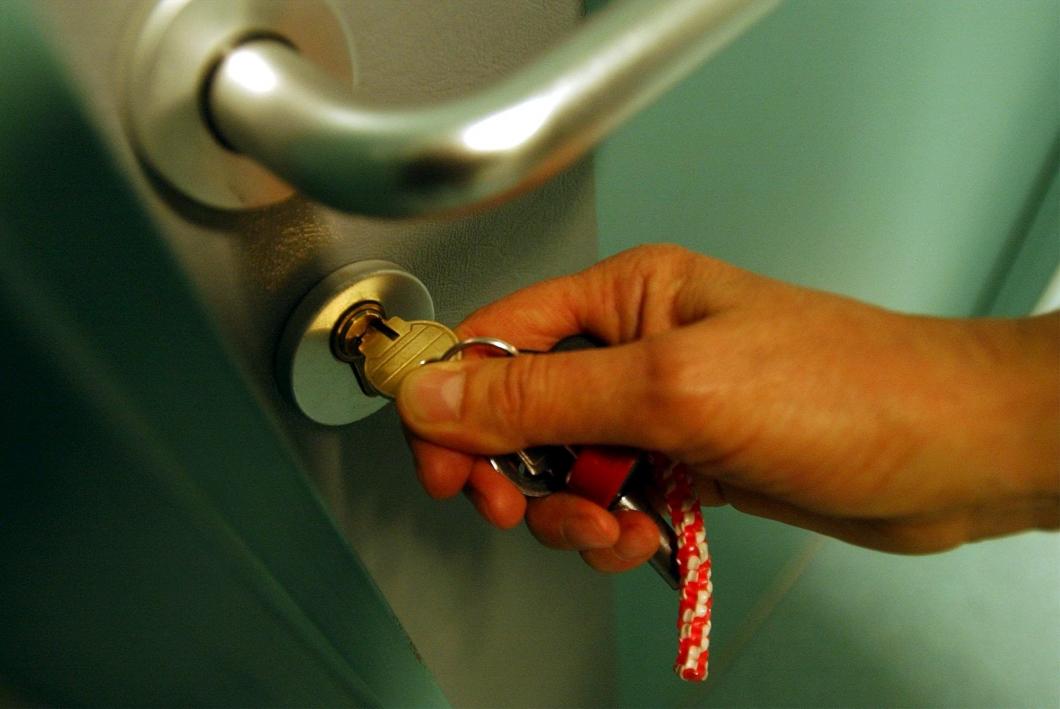 Låsta dörrar tycks inte förhindra självmord