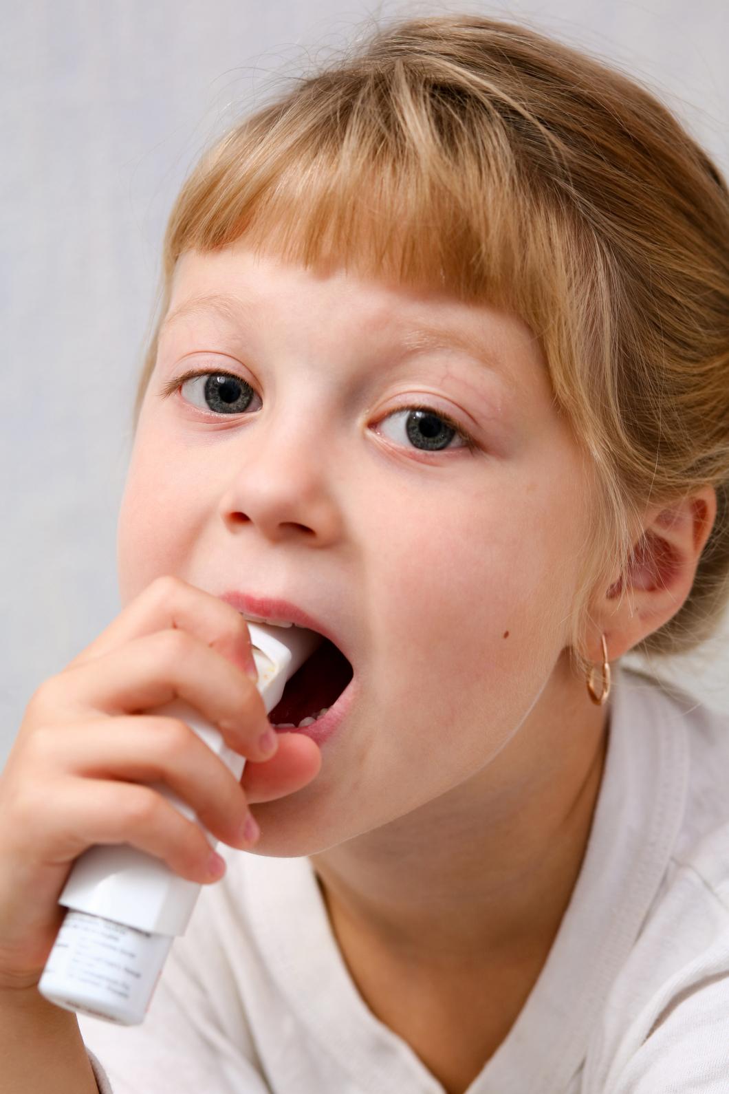 Kopplingen mellan barnastma och anitibotika avfärdas i ny studie