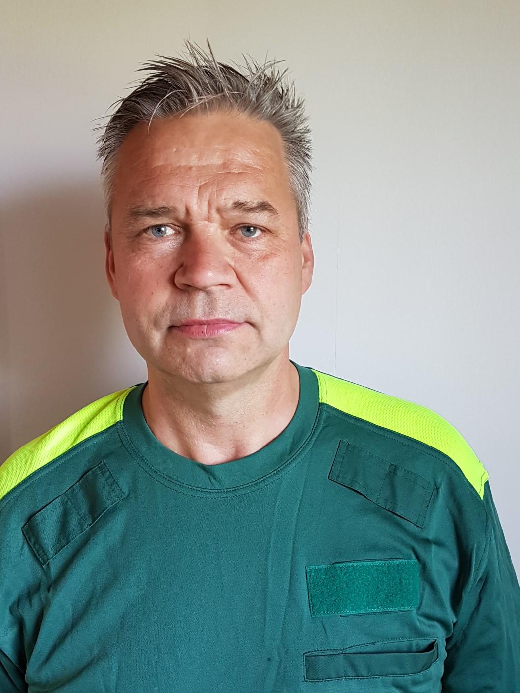 Falck ambulans kritiseras för att kringgå regler om övertid