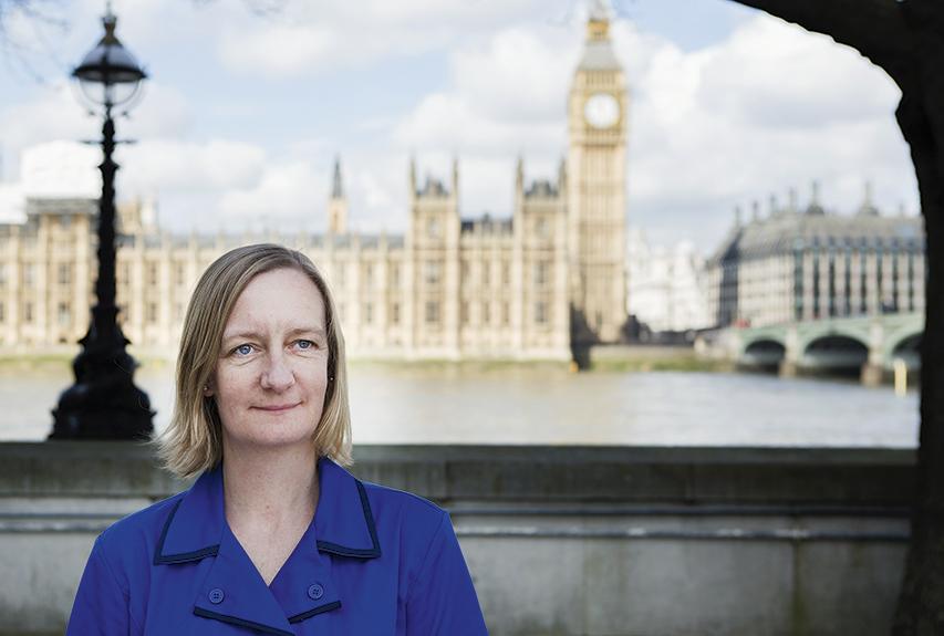 Test införs i England för den som vill behålla legitimationen