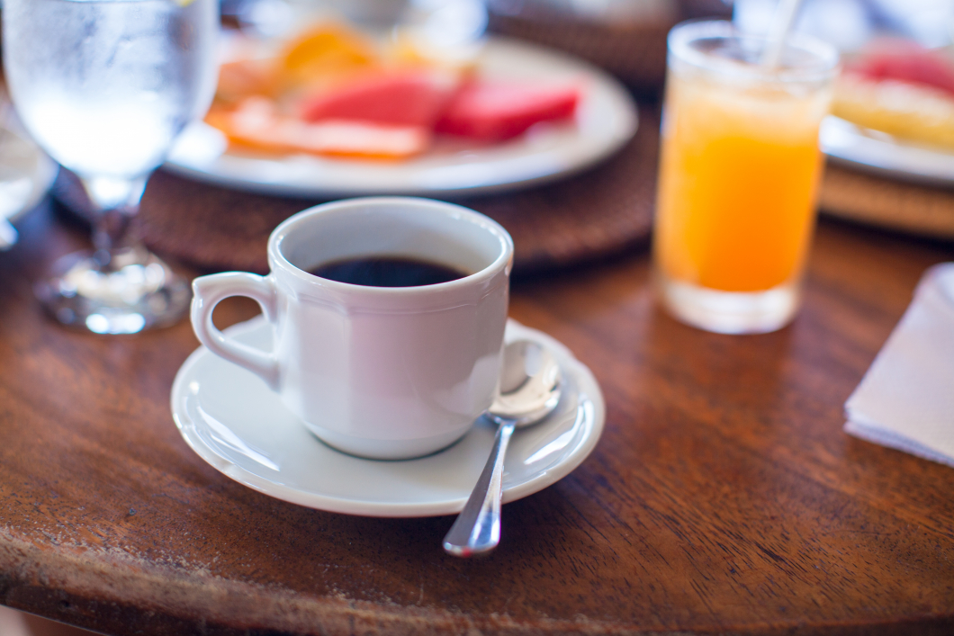 Unga som skippar frukosten riskerar bukfetma som vuxna