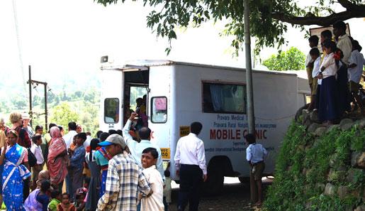 Mobila vårdcentraler halverar barn- och mödradödligheten i fattiga byar