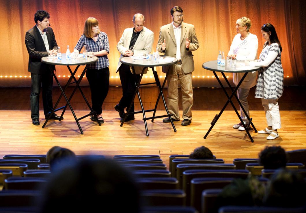 Vårdtåget i Umeå: Få konkreta svar från politikerna