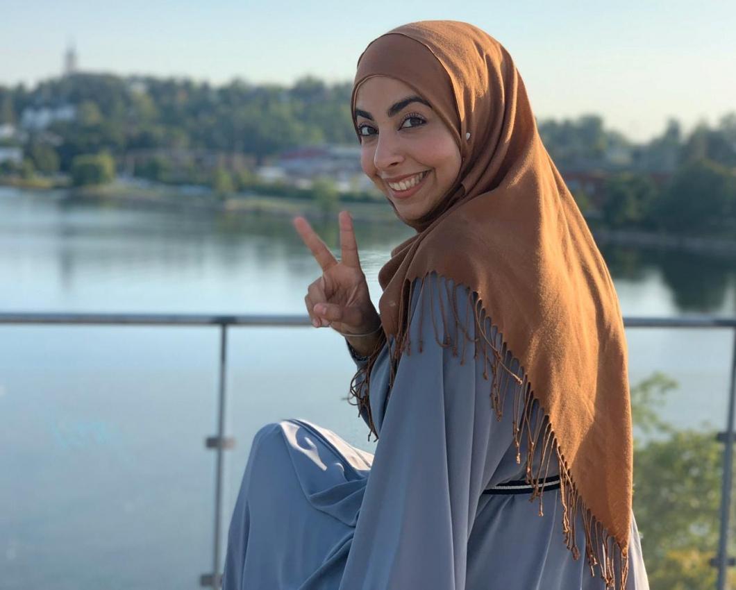 Sjuksköterskan Israa Abdali får pris för Syrieninsats