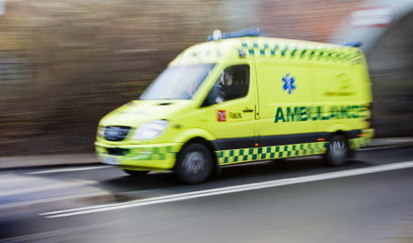 Ambulansen i Malmö vill inte ha poliseskort