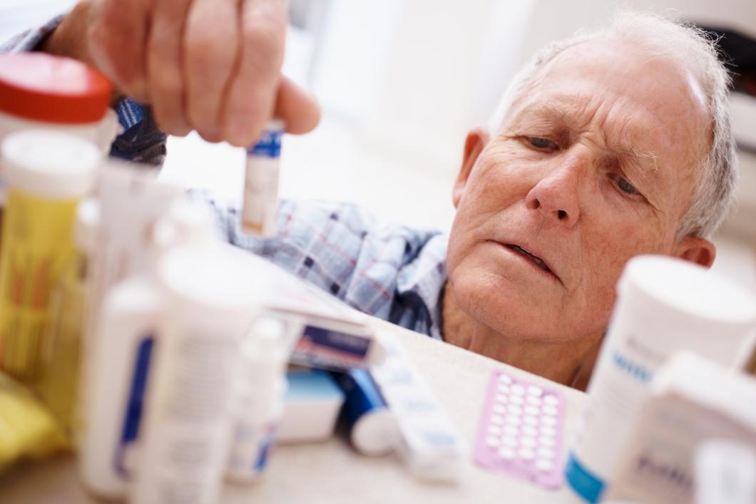 Hårdare krav på att läkare ska följa upp äldres läkemedel