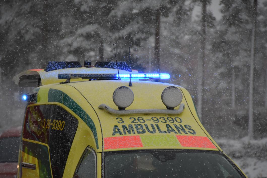 Riktar kritik mot stora skillnader i ambulanssjukvården