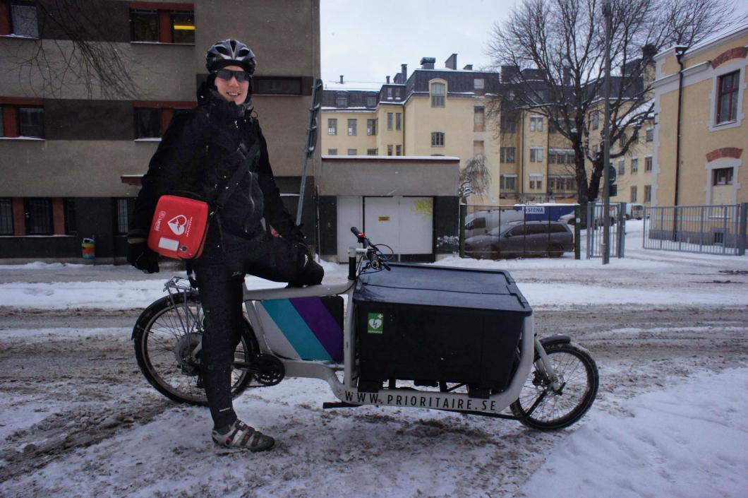 Cykelbud utrustas med hjärtstartare